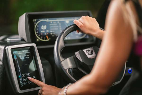 Malibu-22-LSV-Touch-Screen-Systems-Control